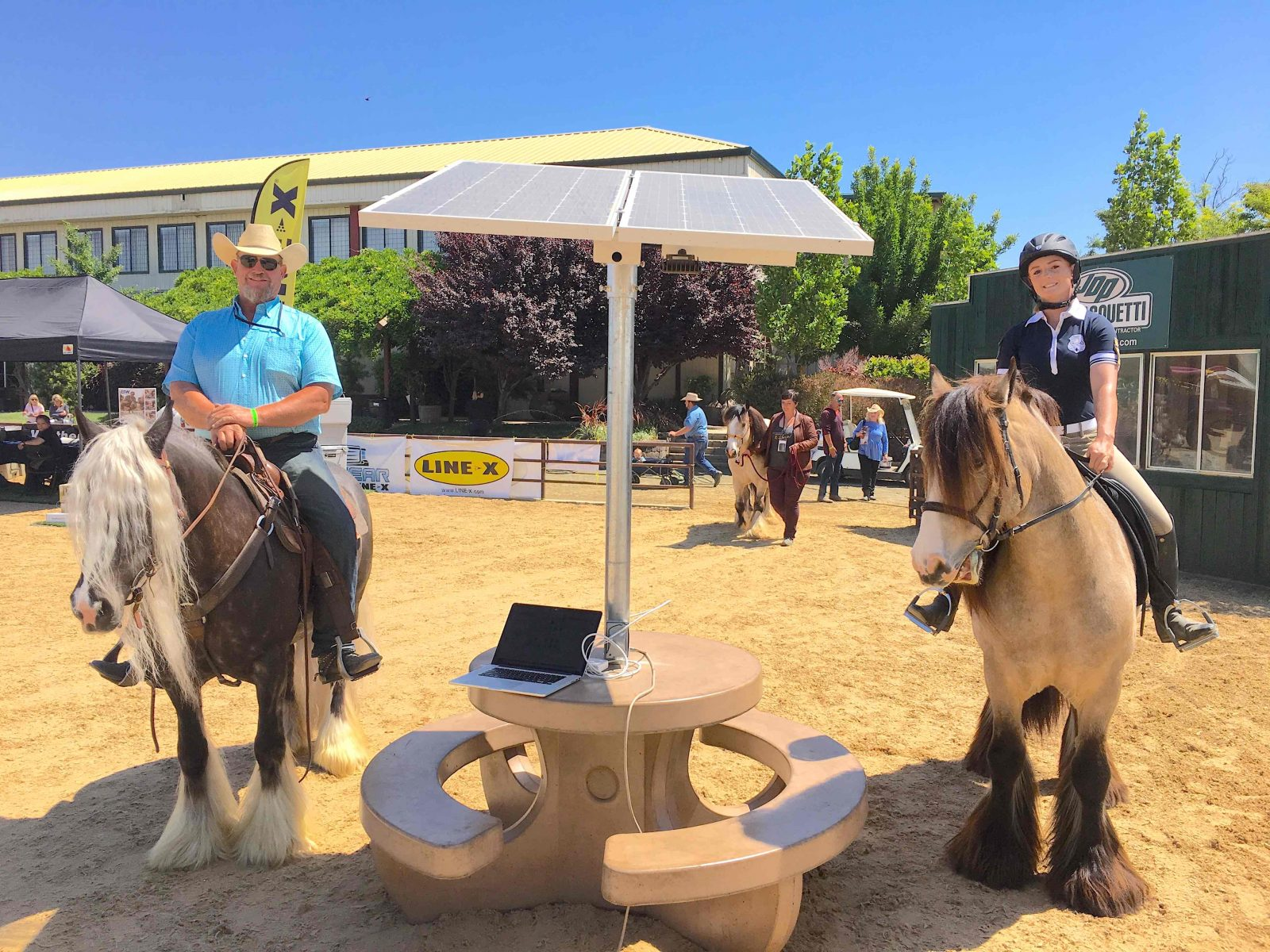 Solar table for horse events